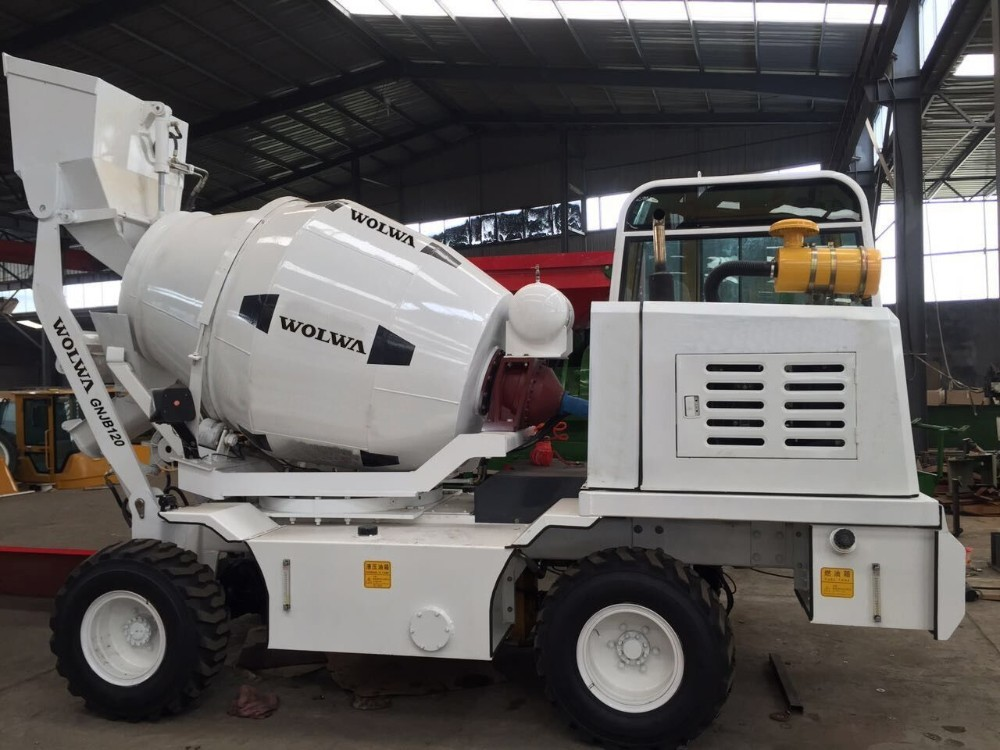 4X4 Mobile Concrete Mixer Self - Made Chassis With Feeding Bucket 6m3 And YC4A Engine